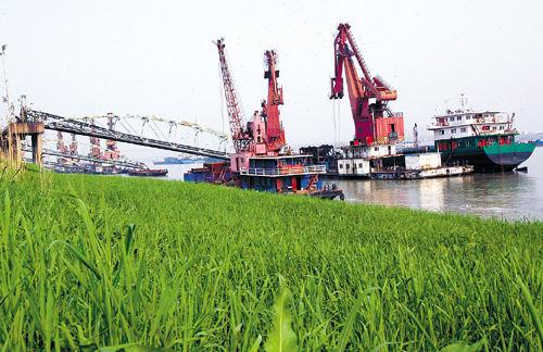 鄂州港發揮長江黃金水道資源優勢