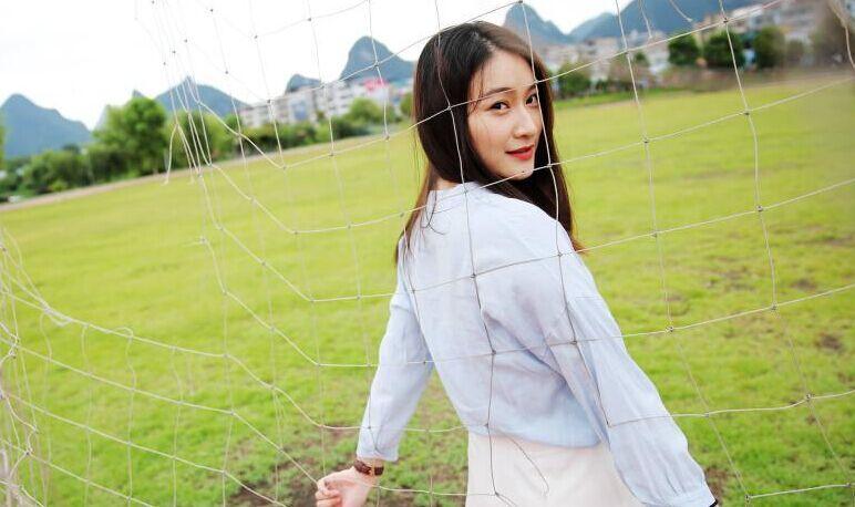 廣西高校(xiao)高顏值學姐(jie)代言拍攝2016年招生宣傳照