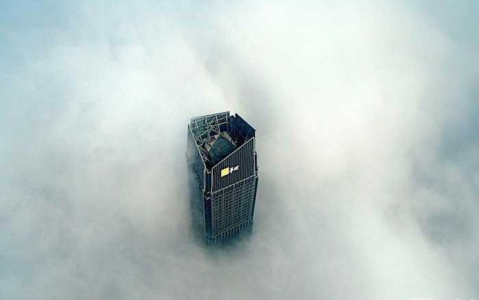 看!不是霾 是無人機航拍的霧和嵐