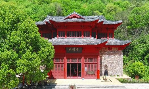湖北黃陂竹(zhu)林寺 殿(dian)宇(yu)崢嶸亭閣聳立