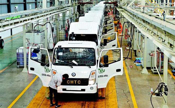 湖北隨州:新能源卡車佔先機