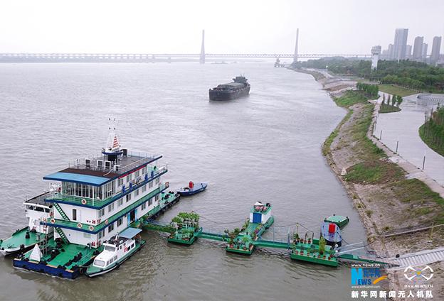 整治非法碼頭保護長江岸線資源