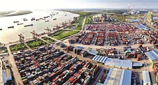 """结束""""三国演义"""" 武汉阳逻港统一运营迈向国际大港"""