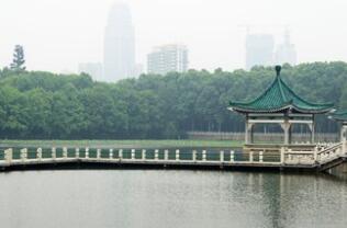 """水马、国际帆船赛同日举行 东湖""""模拟考""""为军运会攒经验"""