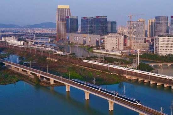 武漢將建4條市域快線 滿足城市外擴需要