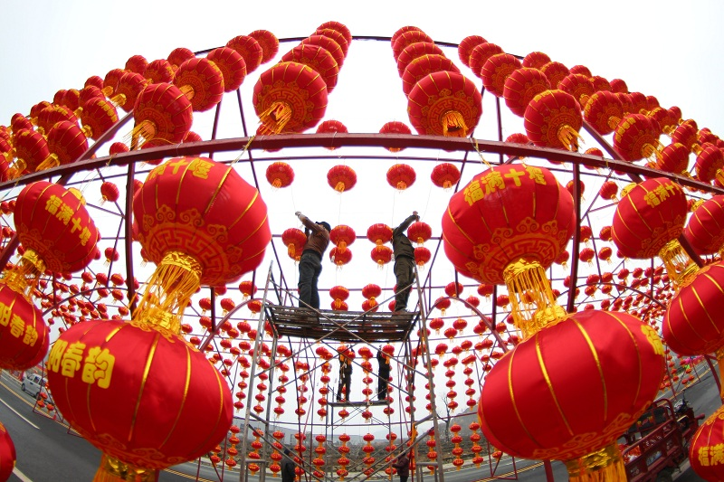 (新春走基層)湖北十堰:燈籠高挂迎新年