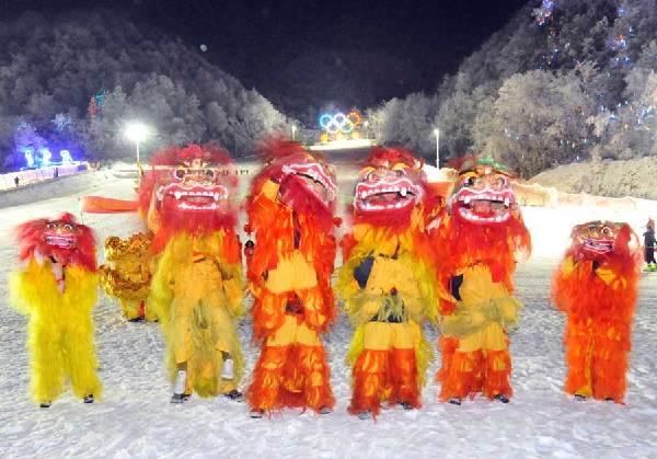 【新春走基層】神農架:龍獅舞進滑雪場