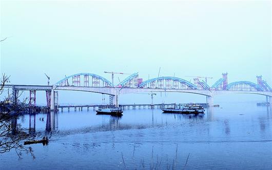 崔家營漢江特大橋主拱即將合龍