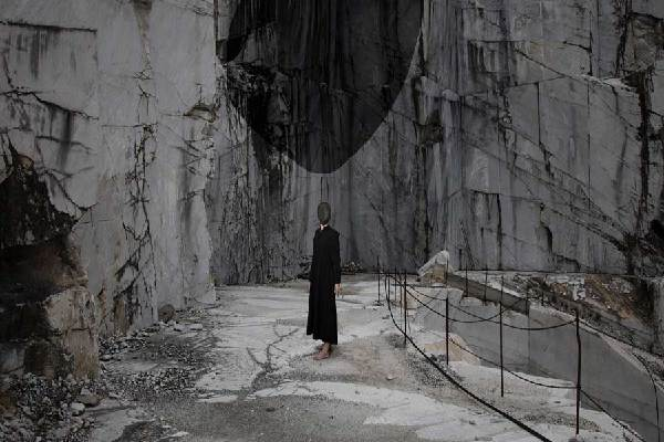 """意大利藝術家在漢辦攝影展 用相機營造""""超現實"""""""