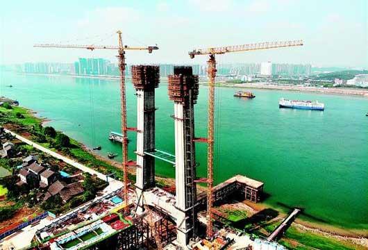 宜昌市伍家崗長江大橋主塔升至94.5米