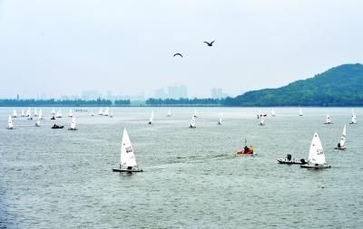 湖北迎來首個國家級專業帆船賽事