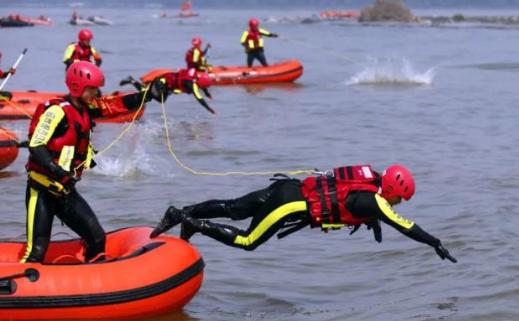 湖北舉行大型抗洪搶險實戰綜合演練