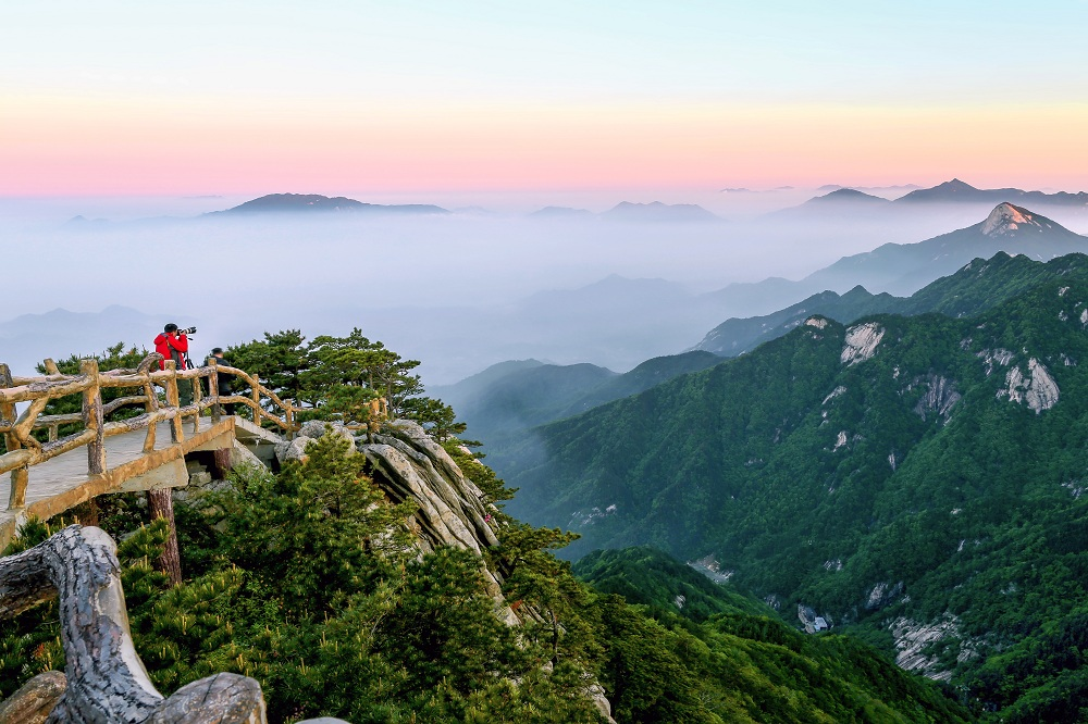 黃岡大別山世界地質公園:峰巒雄偉 嘆為觀止