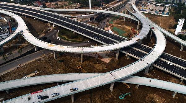 武漢:金山大道互通立交橋主體完工