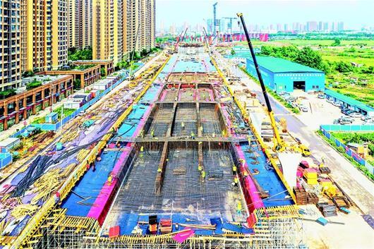 武漢楊泗港快速通道青菱段建設提速