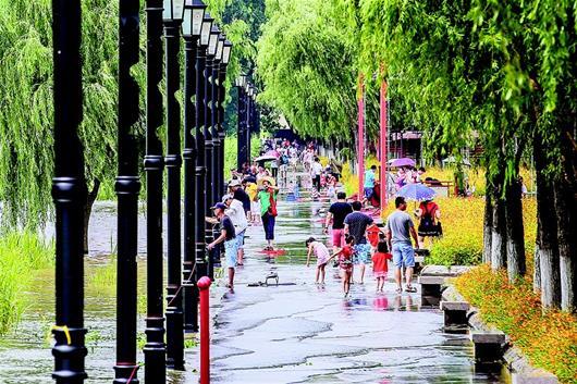 武漢關水位超設防線0.63米