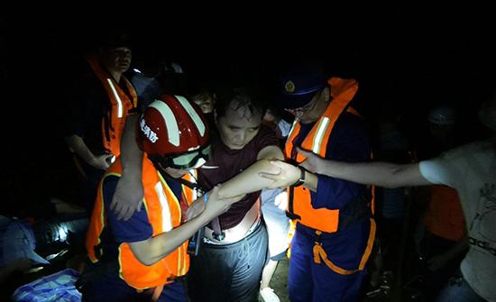 湖北鶴峰躲避峽突發山洪造成9人死亡4人失聯救出61人