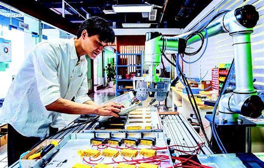武漢光谷:智能協作機器人一機多能