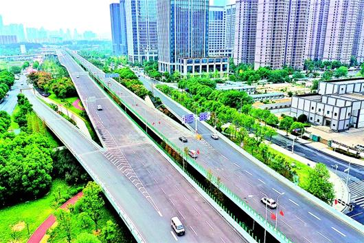 武漢漢江大道全線通車