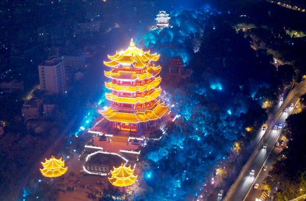 武漢長江燈光秀 點亮國慶長假