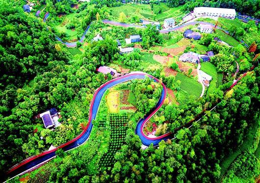宣恩建成首條盤山彩色旅遊公路