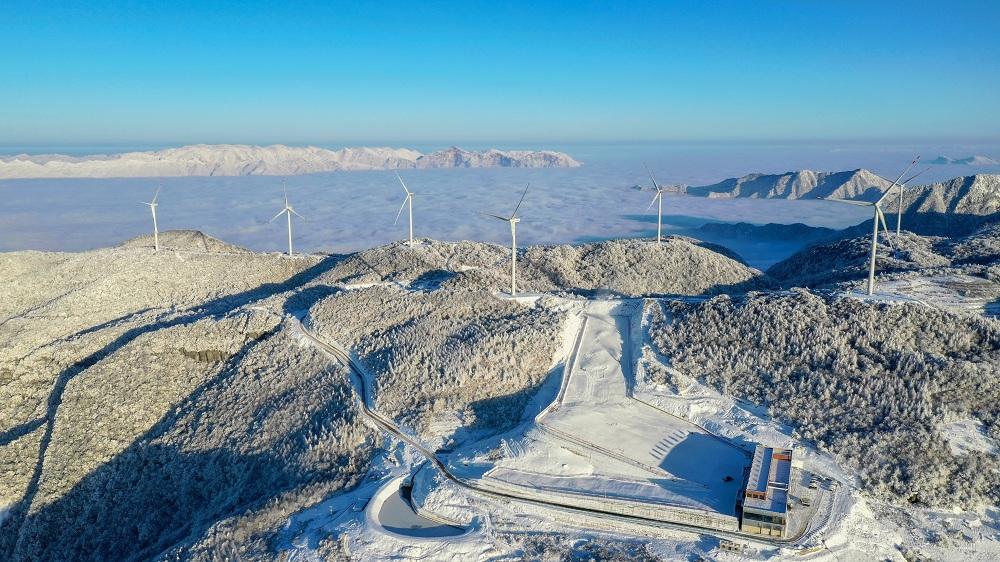 冰雪(xue)激情 鳥瞰湖(hu)北五峰高山滑雪(xue)場