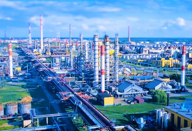 結合已經形成的産業基礎,大力實施百億工程,全力打造千億産業。