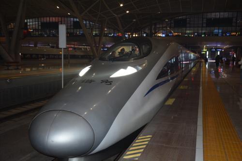 武漢今年春運首開夜行高鐵 日開行達40列