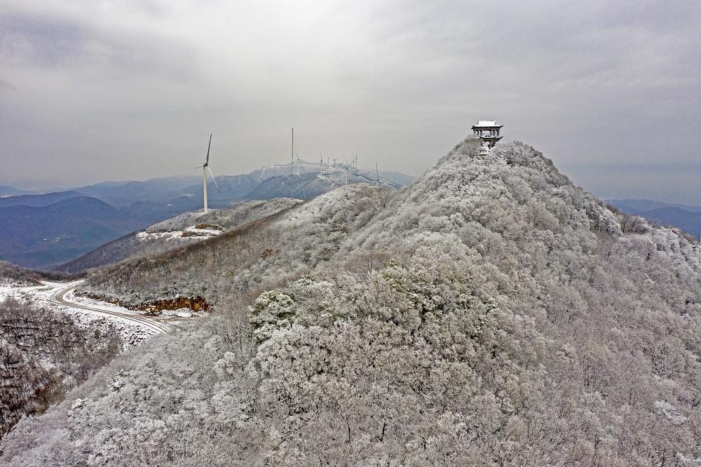 漫山雪韻 鳥瞰湖北荊門聖境山