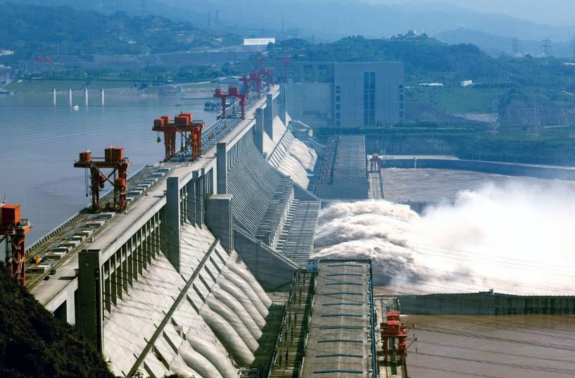 三峽水庫持續加大下泄確保中下遊用水用電