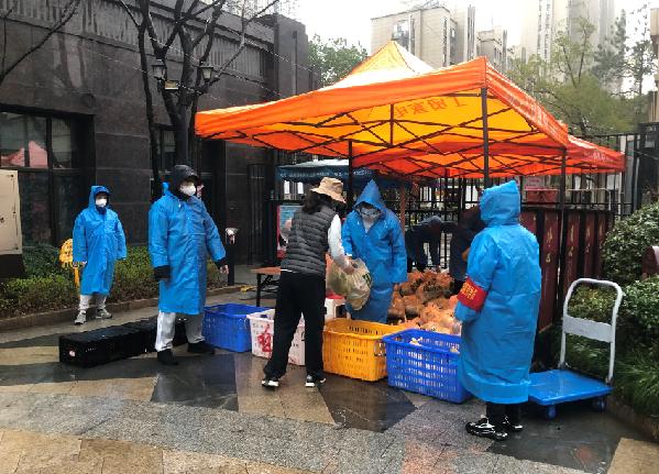 【新華網連線湖(hu)北】武漢百(bai)瑞景社區志願服務戰疫情