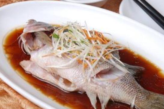"""""""雲上賣(mai)魚""""助力(li)湖(hu)北水產品""""點(dian)對點(dian)""""產銷對接"""
