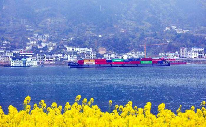 春江水暖千帆起 長江航運生産建設加速恢復