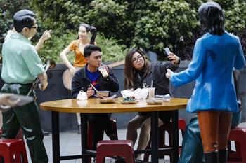 武漢:街邊享美食