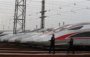 武漢︰做好(hao)鐵路客運(yun)發車準備