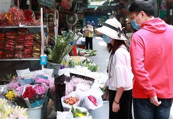 武漢:花卉市場人氣漸旺