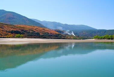 湖北法院嚴懲破壞長江水生態違法犯罪 受理非法捕撈水産品案件639件