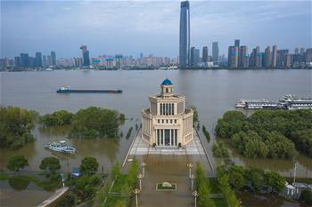 長江中下遊洪水洪峰順利通過漢口江段