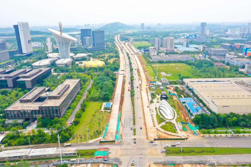 建設加速 武漢光谷高新大道改造忙