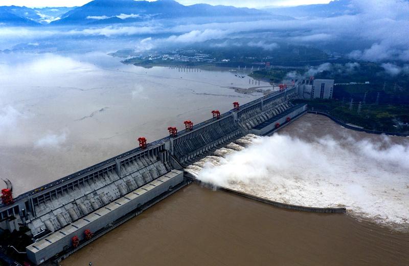 30秒看三峽水利樞紐迎戰洪峰過境