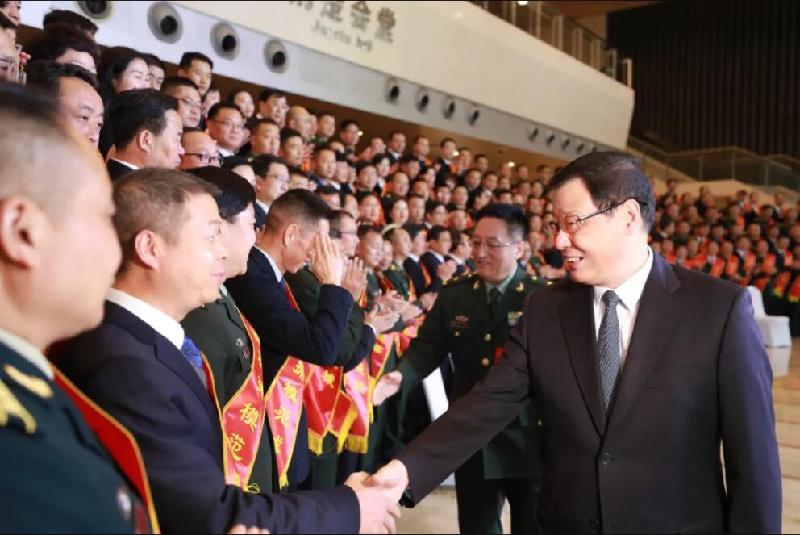 湖北省雙擁模范城(縣)命名暨雙擁先進單位和個人表彰大會在漢舉行