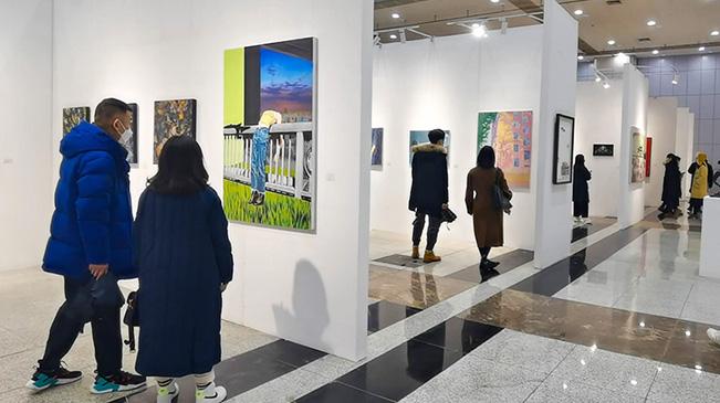 致敬英雄城市 首屆大學生藝術博覽會(武漢)開幕