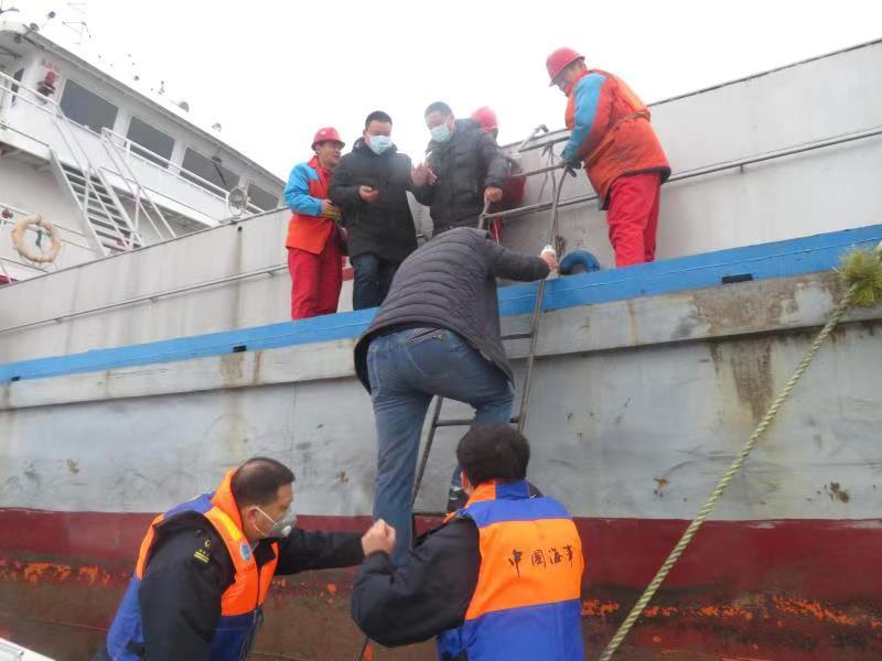 長江海事局2020年成功救助遇險人員1382人