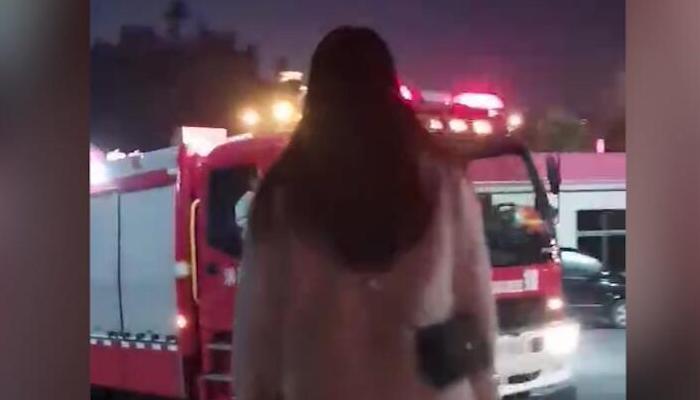 女孩等待消防員男友出警歸來:你的平安就是我最大的牽挂
