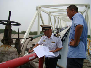 岳陽海事局強化危險品碼頭、加油站安全監管