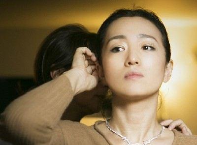 36岁美女嫩照pk巩俐黑丝美腿