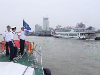 武汉海事局加强汛期船舶靠泊管理
