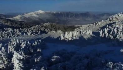 航拍:神农架冰雪雾凇