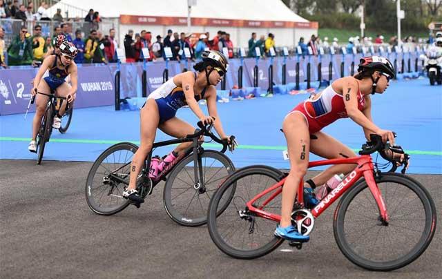 铁人三项——中国队获精英组女子团体铜牌